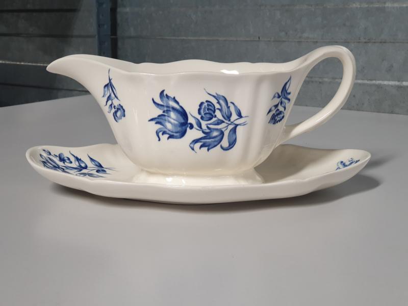 Petrus Regout Bouquet Bleu Sauskom op onderschotel (schulp rand)