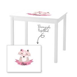 1 of 2 stoelen en tafeltje met naam en vosje meisje