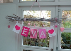 Vlaggetjes  met naam meisje /  naamslinger hartje