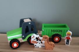 Houten tractor groen met aanhanger (met naam)
