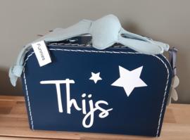 koffertje met sterren, naam en speenknuffeldoekje  konijn ''Snoes'' jongen-meisje
