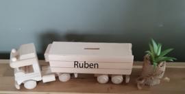 Houten vrachtwagen met oplegger spaarpot (met naam)