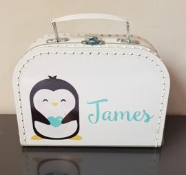 Koffertje met naam *Pinguin jongen* Diverse kleuren koffertjes en bedrukking