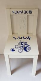 Stoeltje met naam en traktor 1 diverse kleuren