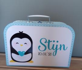 Koffertje met naam *Pinguin jongen* diverse kleuren