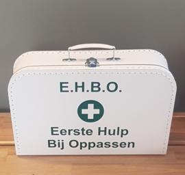 Koffertje met naam wit E H B Oppassen 3 maten