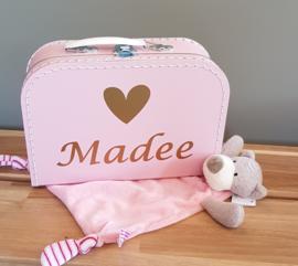 koffertje met naam en knuffeldoekje beer -meisje