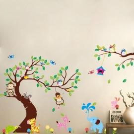 Muursticker boom met verschillende dieren