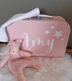 koffertje met sterren, knuffeldoekje van ''Happy Horse'' en slabber
