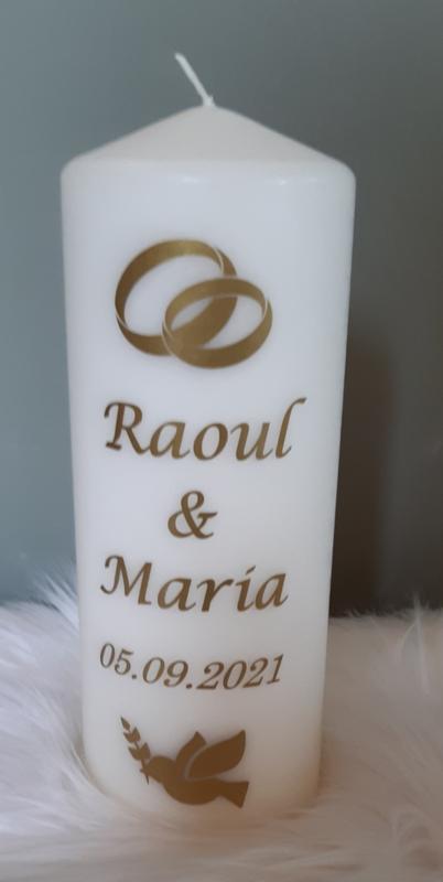 Huwelijkskaars met namen *ringen en duif*