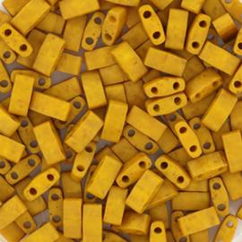 Miyuki Half tila 5 x 2,3 mm Kralen - 2312 Opaque Matte Mustard