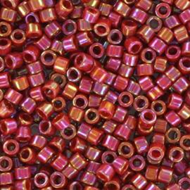 Armbandje met Miyuki Delica 11/0 DB-2275 Opaque Glazed Dark Red