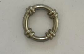 Boeiring zilverkleur 18 mm