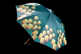 Paraplu met gele tulpen