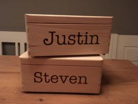 Houten kistje met naam in hout gebrand