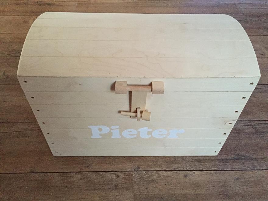 Houten schatkist met naam - Pieter