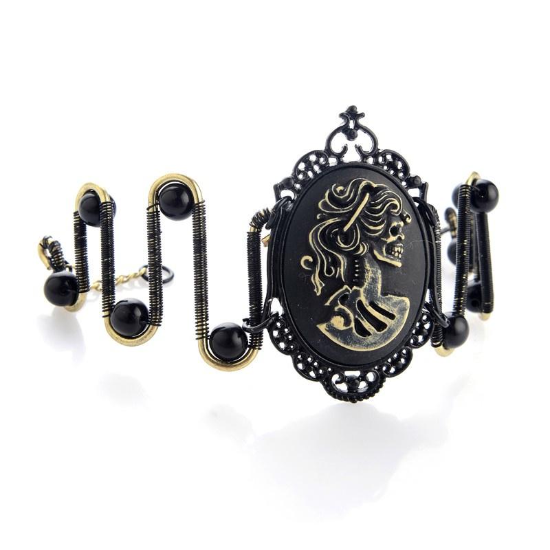 Edelvrouw hoofd portret zwart en brons gekleurde steampunk