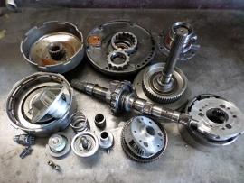 Diverse losse onderdelen 727 automaatbak. (G)