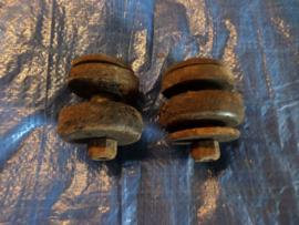 Rubberset voor de baksteun (G).
