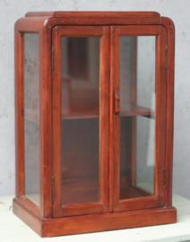 2 toonbankvitrines,  verzamelaars vitrines. art deco
