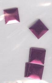 big square fuchsia 1cm - 20 stuks