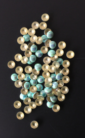 pearly domes light blue 4mm 100 stuks