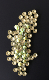 pearly domes lt yellow green 4mm 100 stuks