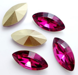 Resin Navette 7 x 15 mm Fuchsia (per 3)