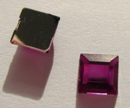 Cabochon Acrylic Square 6 mm Purple G294 (per 15)