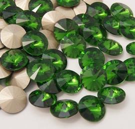 Glas Rivoli 10 mm Light Fern Green (per 3)