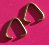 Jump Ring Triangle H081 K (3 g.)