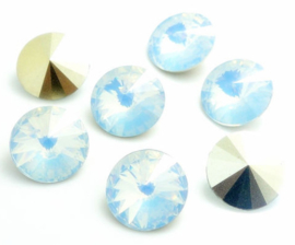 Resin Rivoli 10 mm Very Light Grey Opal (per 4)