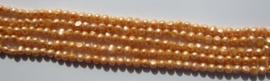 Zoetwaterparel Licht Oranje Nugget 8-9 mm Z233 (per streng)