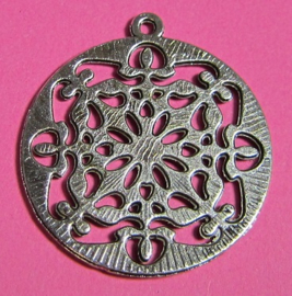 Pendant Carved B1400 (per 3)