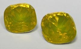 Resin Vierkant 12 mm Yellow Opal (per 2)