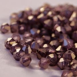 Tsjechische MC Bicones 4 mm White Opal Lustered Bronze Lila (per 50)