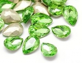 Glass Drop 20 x 30 mm Peridot (per 1)