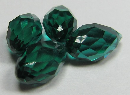 Facet Druppels 12 x 6 mm Emerald (per 4 kralen)