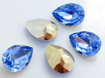 Resin Drop 10 x 14 mm Light Sapphire (per 3)