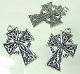 090025 Metaal hanger kruis keltisch oud zilverkleurv26x23mm