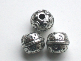 190140 Ronde metal look kraal bewerkt 10 mm oudzilverkleur