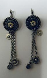 A2 oud zilver met oorhaak Lengte 7 cm