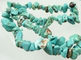 030028 Natuursteen Imitation Turquoise onregelmatig 5-13mm  streng 40 cm