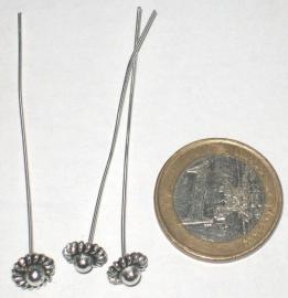 090601 Zilveren nietstift met zilveren versiersel