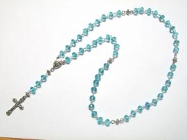 210086 Prachtige rozenkrans lichtblauwe rondel kristal kralen.