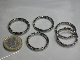 090018 Sleutelring zilverkleur