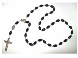 210114DHZ Rozenkrans zwart met zilveren crucifix pakket.