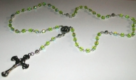 210168 rozenkrans licht olijf groen met ab glans facet tsjechisch glas