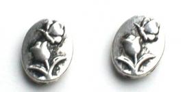 090999 Metalen kraal ovaal met bloem en vlinder zilverkleur 13 mm