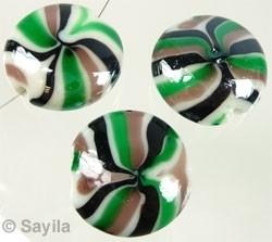 110372 Glaskraal Italian-style plat rond ± 25mm (Groen/Zwart)